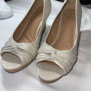 Dexflex comfort heels women's 6.5